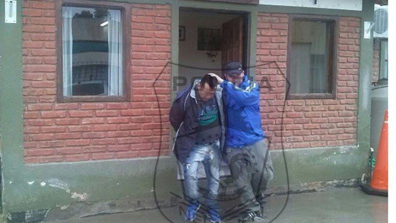 Atraparon a un prófugo cuando fue a cobrar el sueldo por ventanilla en una oficina municipal