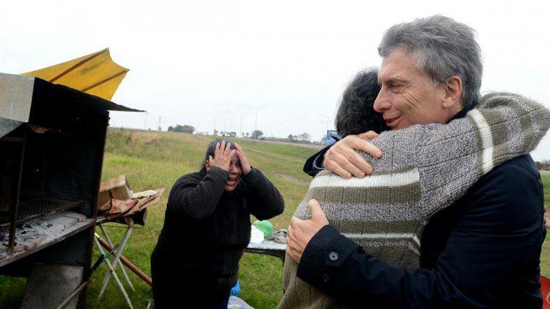 Destruyeron el puesto del vendedor de tortas fritas que visitó Macri