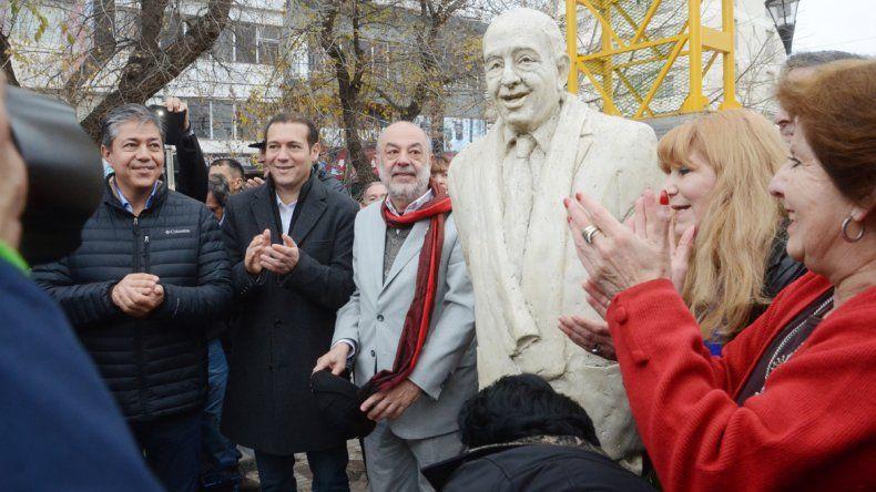 En las redes, los políticos neuquinos expresaron su dolor por la muerte de Sapag