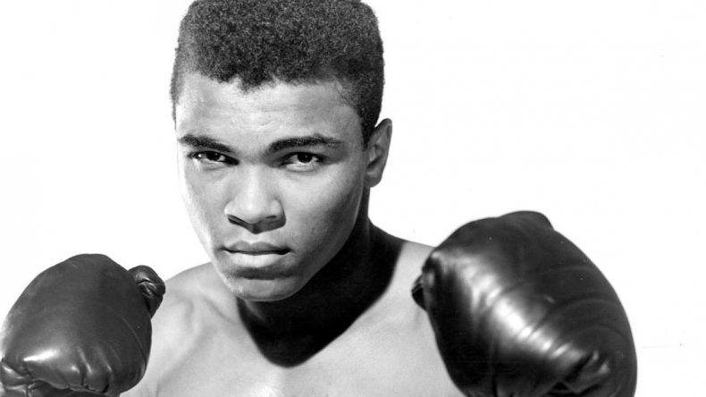 Fue el pugilista más grande del boxeo mundial. De joven se convirtió al islam