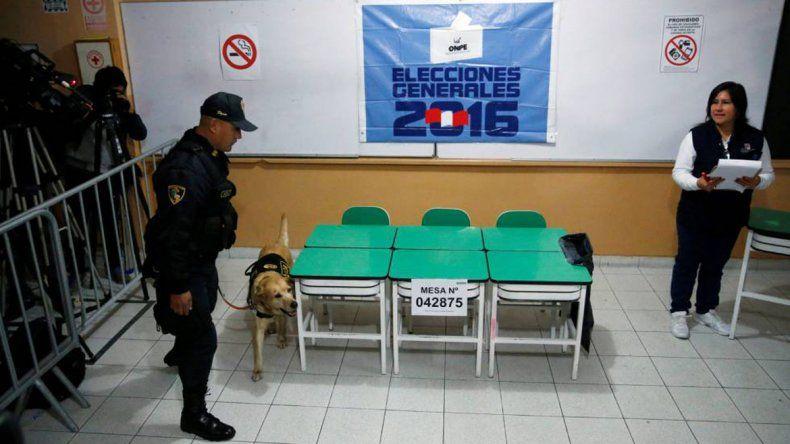 Los peruanos eligen presidente entre Keiko Fujimori y Kuczynski