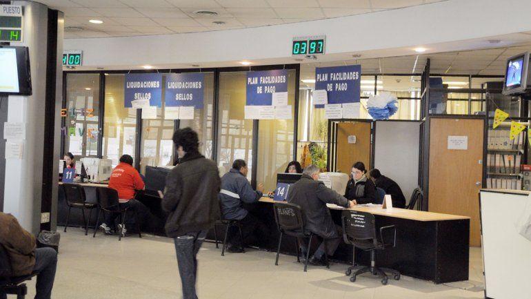 Los empleados públicos podrán acceder a sus recibos de sueldo a través de la página web del gobierno.
