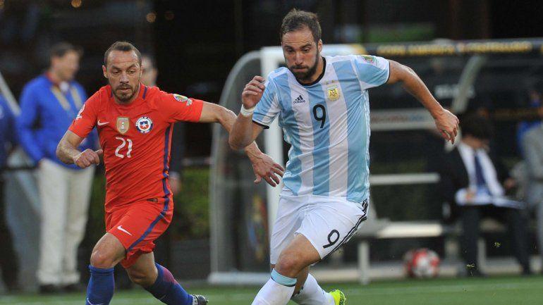 Argentina se enfrenta a Chile en el debut.
