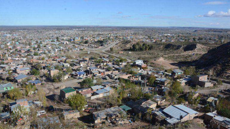 En la toma Rincón del Valle viven 236 familias. El objetivo de CALF es llegar con la regularización del servicio a 10.000
