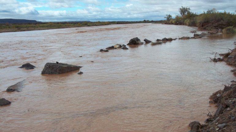 Contaminación en el río Colorado.