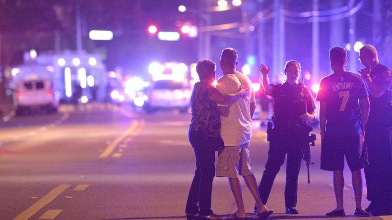 Masacre en un boliche gay de Estados Unidos dejó 50 muertos y 53 heridos