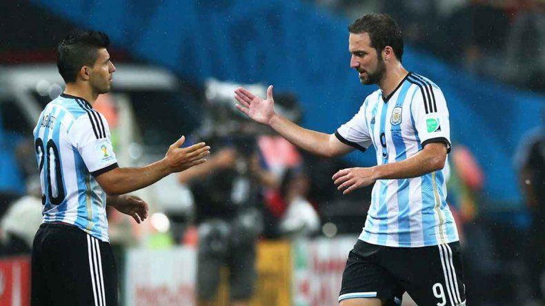 Higuaín no marcó en las primeras dos fechas y Agüero tiene ganas de robarle el puesto. Ahora contra Bolivia podría ir el Kun de arranque.