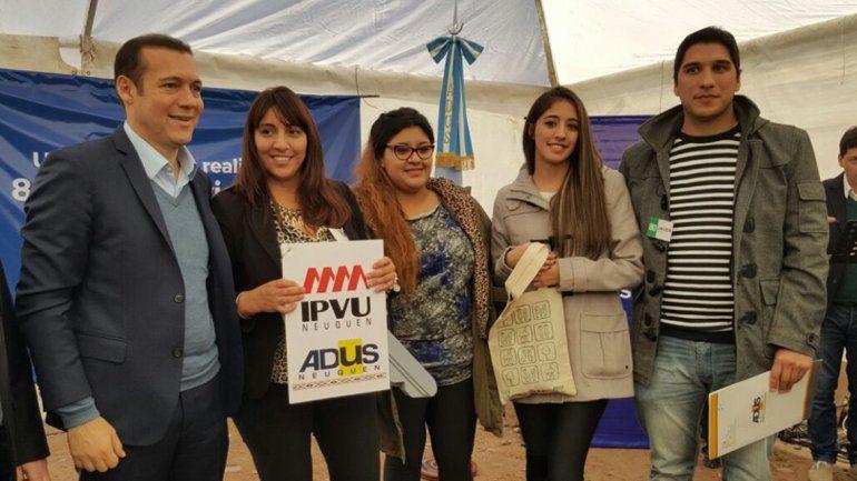 Gutiérrez inauguró un nuevo plan de viviendas en barrio Belgrano