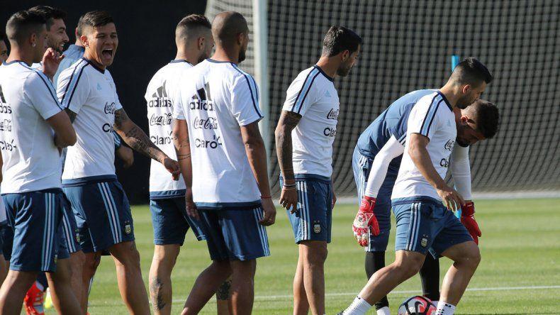 El Kun Agüero compartirá el ataque con el Pipa Higuaín.