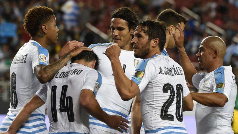 Uruguay lavó su imagen con triunfo 3 a 0 sobre Jamaica