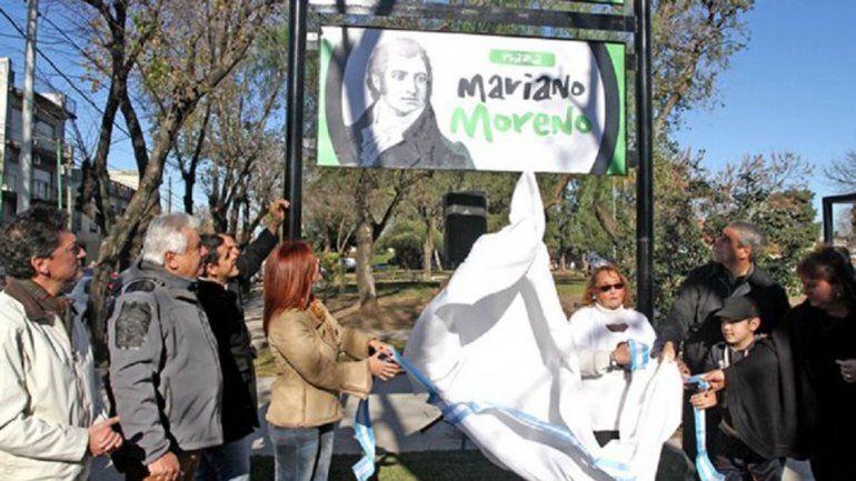 Inauguran la Plaza Mariano Moreno y ponen una imagen de Castelli
