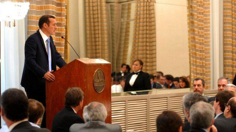 El gobernador Omar Gutiérrez durante su discurso.