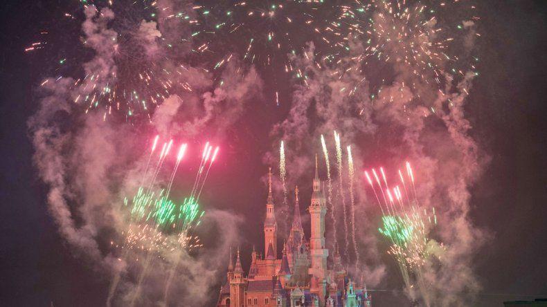 El castillo de Disney Shanghai se prepara con todo para su inauguración.