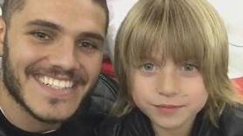 Icardi posteó un video en las redes con el hijo mayor de Wanda agradeciendo a Rosenfeld por su intervención para que puedan viajar a Italia.