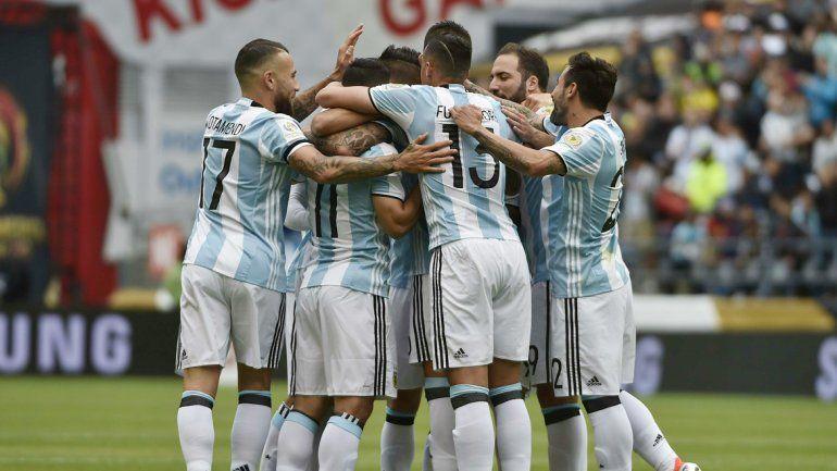 Argentina golea a Bolivia