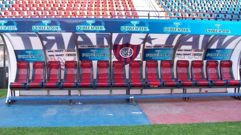 En el próximo torneo habrá DT nuevo aquí sentado. El cuerverío elige...