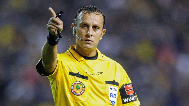 Los árbitros amenazan con parar el fútbol argentino