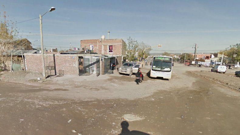 Un policía fue baleado luego de un tiroteo en una casa del barrio Alto Godoy
