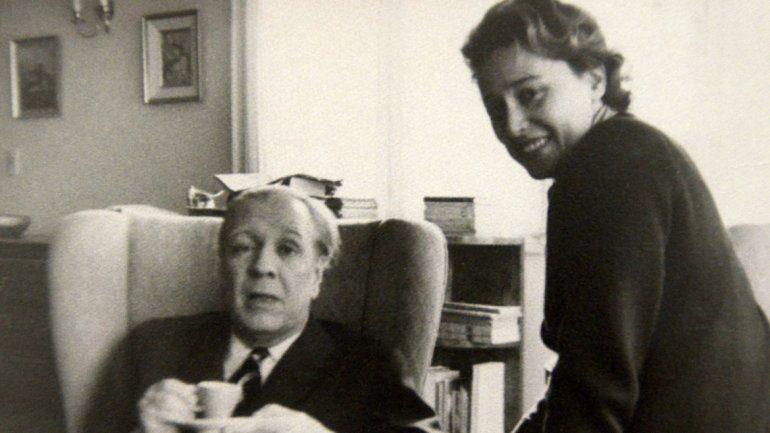 Inés Castro Rendón aún conserva el sillón en el que estuvo sentado Borges.