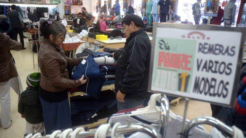 Las ventas se desploman por la inflación y el temor por el rumbo de la economía.
