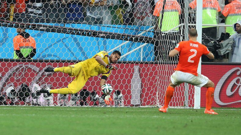 Como en el Mundial. Sergio había brillado en la definición por penales ante Holanda en Brasil y el sábado volvió a lucirse desde los 12 pasos