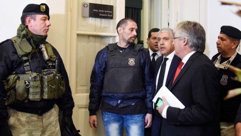 Pérez Corradi liberó decenas de cucarachas en un juicio