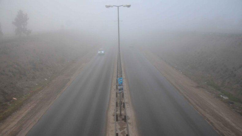 Difunden recomendaciones para conducir con niebla