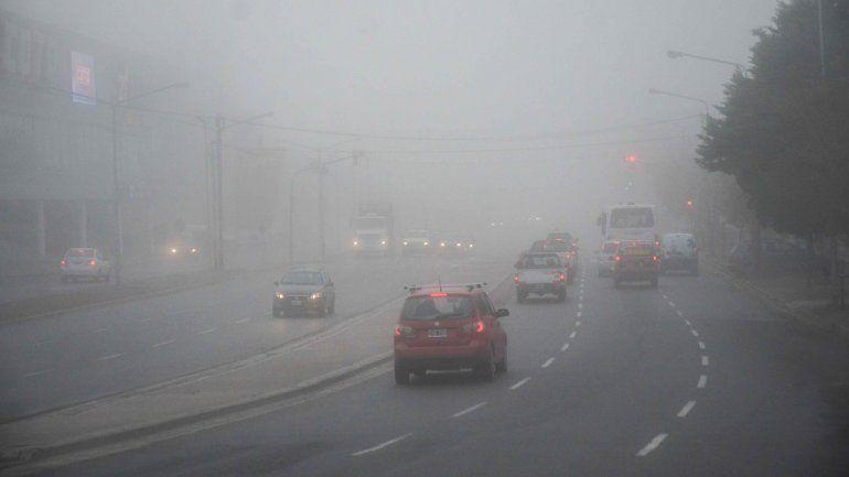 Niebla sobre la Ruta Nacional 22.