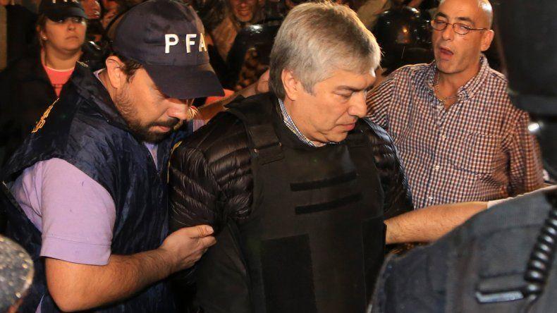 Lázaro Báez permanece detenido en Ezeiza.