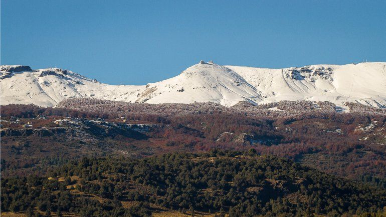 Se dieron nevadas tempranas en abril en el cerro Chapelco (San Martín) y en el Bayo (La Angostura)