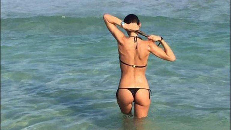 Pampita exhibió su cuerpo escultural en Miami.