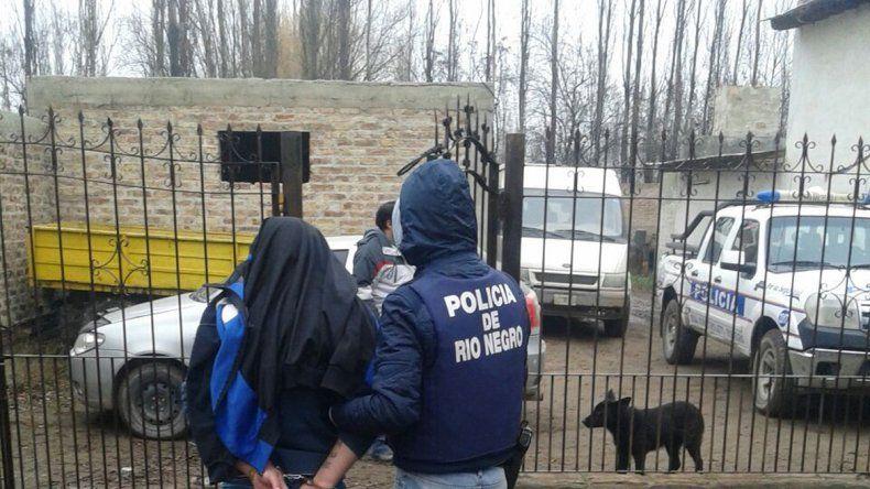 Carlos Urraka Rojas tras ser detenido por la Policía rionegrina.