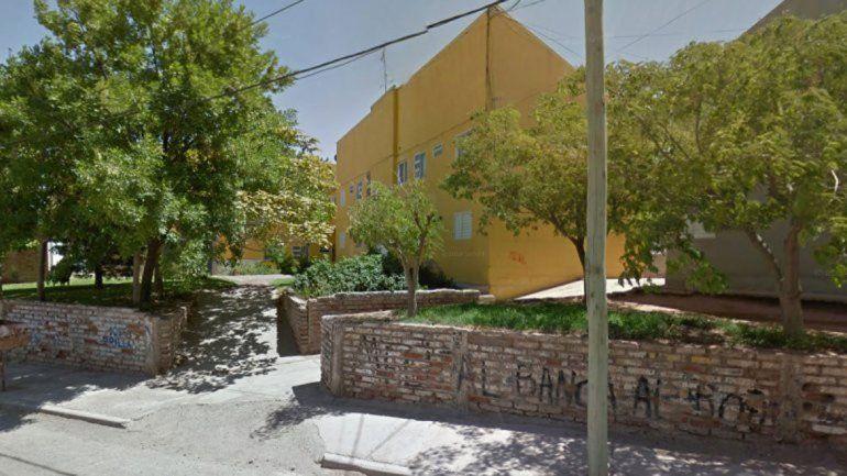 En los monoblocks del barrio Melipal se escondieron los delincuentes.