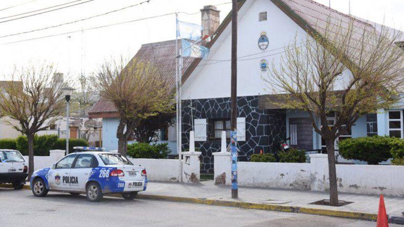 Un nene de 12 años amenazó con un revólver a otro de 11 a la salida de la escuela