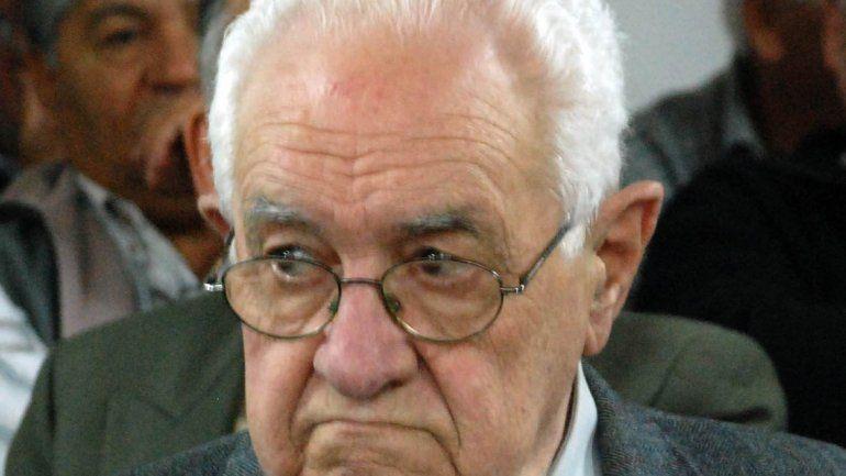 Enrique Olea.