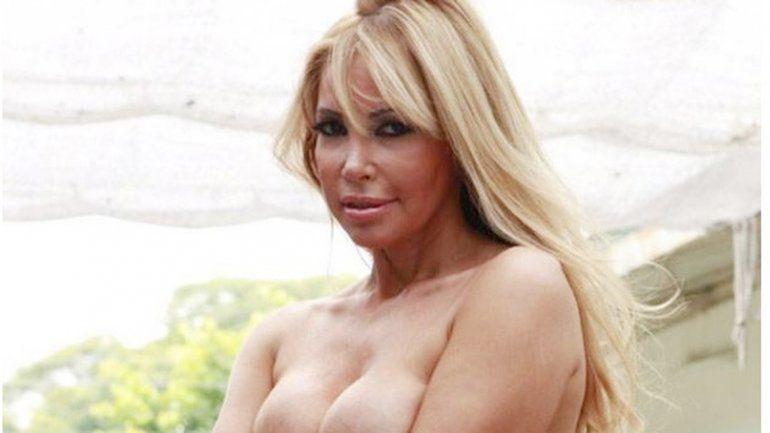 La abogada cobró popularidad por su lado sexy y por algunas sesiones de fotos calientes.