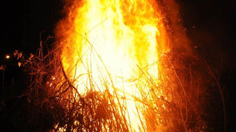 La celebración de la fogata de San Juan.