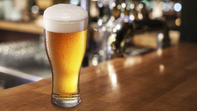 En Argentina se consumen 17 mil millones de litros de cerveza al año.