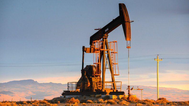Petroleros: 30% de suba en cuotas y bajan un día el paro
