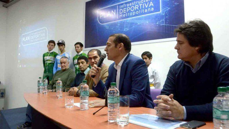 El gobernador Gutiérrez presentó el plan para reformar Ciudad Deportiva. Lo acompañaron el ministro Gaido y el secretario de Deportes
