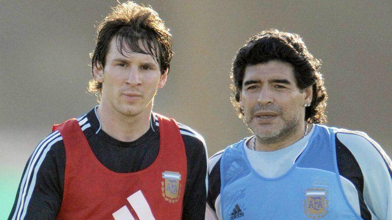 Diego salió a defender a Messi y dijo que el mejor del mundo tiene cuerda para rato.