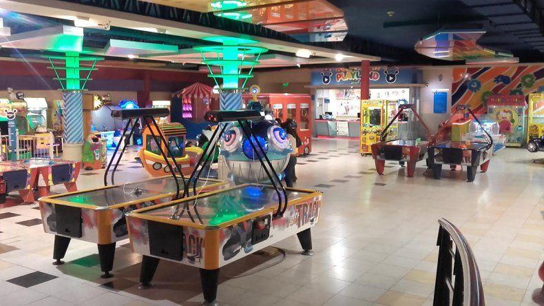 Atrapan a dos empleadas de un local de juegos de un shopping que se robaron $122 mil