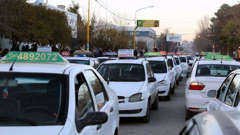 Taxistas de Centenario piden adelantar el aumento de la tarifa.