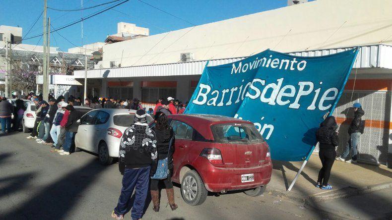La organización Barrios de Pie pide ayuda social al Municipio.