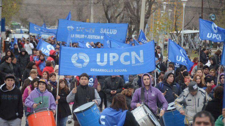 Los gremios que nuclean a los trabajadores estatales plantean un aumento salarial superior al 40 por ciento