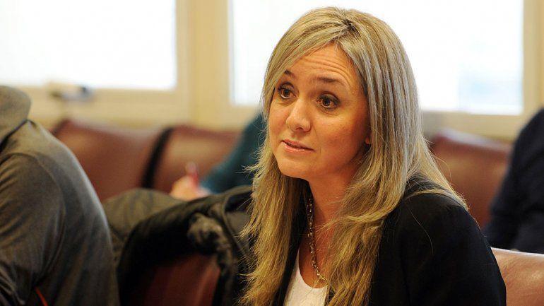 Carolina Rambeaud quiere que se repartan los fondos nacionales.