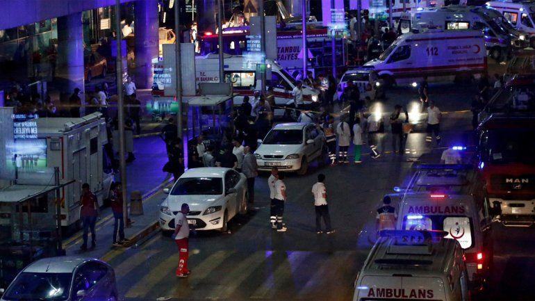 Hay 13 extranjeros entre los muertos por el atentado en Estambul