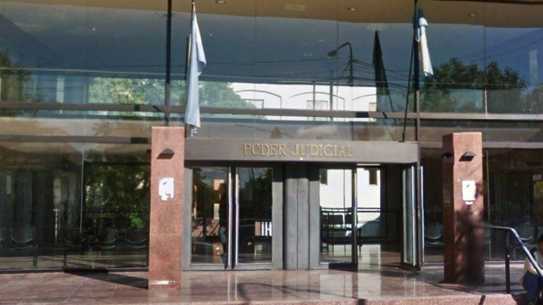 En la sede judicial de San Rafael están juzgando al violador neuquino.