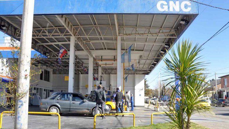 Temen más cierres de estaciones de servicios por la crisis del GNC