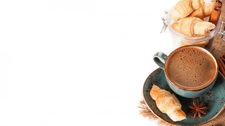El consumo de café de manera moderada disminuye riesgos de tener eventos cardiovasculares.